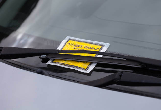 parking-ticket-on-windscreen